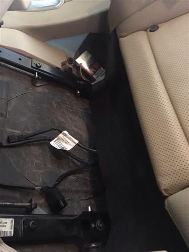 800 пачок контрабандних сигарет виявили закарпатські митники в автомобілі українця