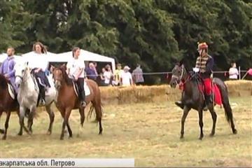 На Виноградівщині відбувся фестиваль коней