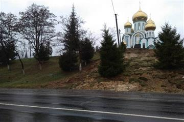 На Закарпатті може зсунутися монастир