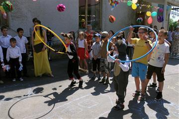 Колектив СБУ привітав дітей Свалявського дитячого будинку З Міжнародним Днем захисту дітей (фото)