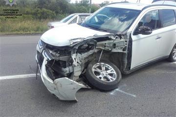 На трасі сталася ДТП: легкове авто розбите вщент